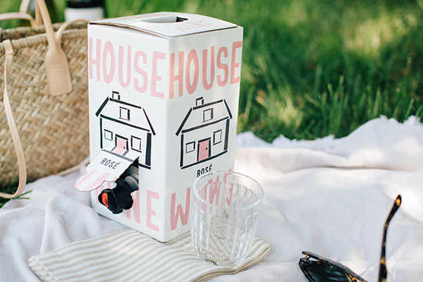 house wine rose boxed wine on picnic blanket